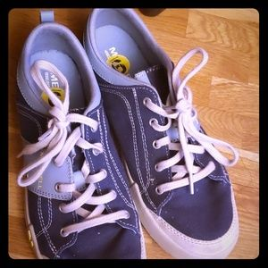 New Merrill sneakers so comfy brand new